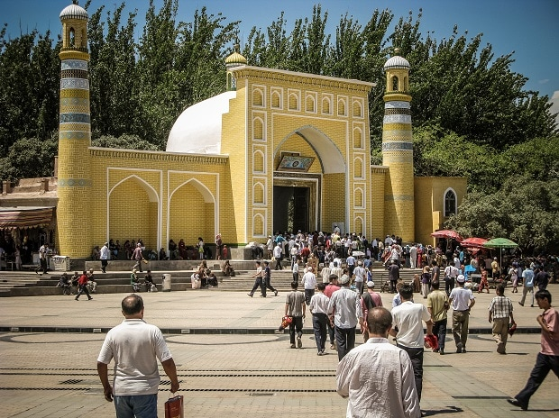 Id Kah Mosque, Kashgar, Xinjiang privince on Jun 1, 2011. This is the largest Mosque in China. Photo Shutterstock