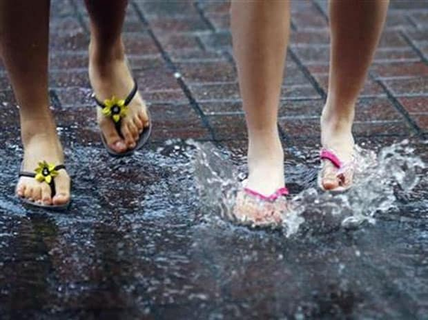 This monsoon, don't ignore your feet! Here's how this weather can harm you