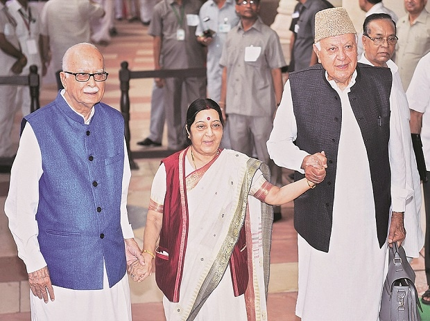 Sushma Swaraj with L K Advani and Farooq Abdullah
