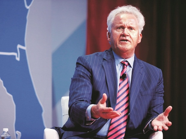 Jeff Immelt steps aside as GE chairman ahead of schedule