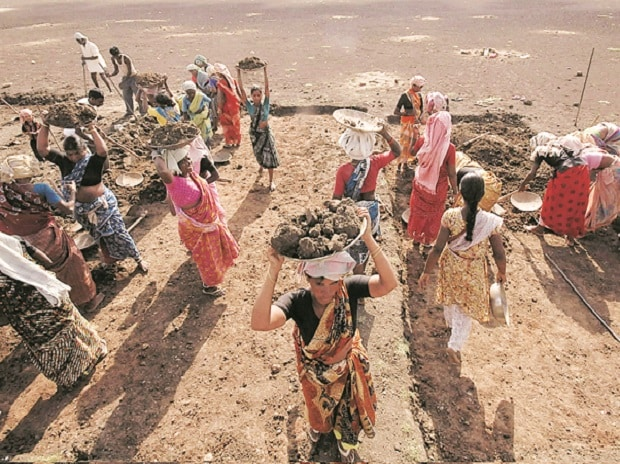 Govt to tell banks to speed up MGNREGA wage payout after worker complaints