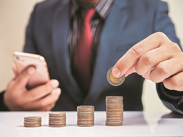 Demonetisation effect: Advance tax collections up 42%, returns filed up 25%