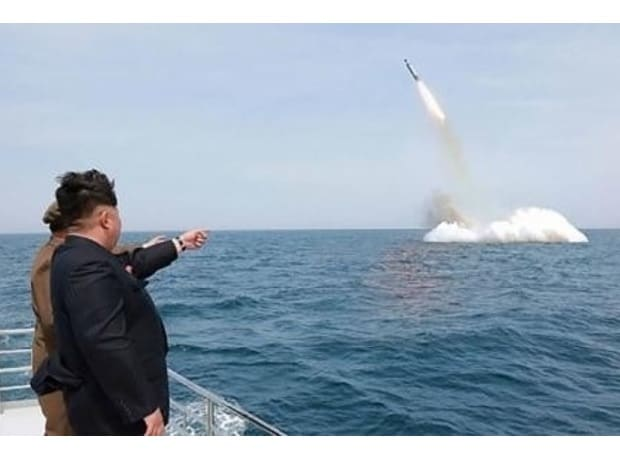 Satellite images show North Korea testing submarine missile