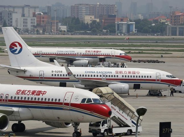 Chinese airline insults Indian passengers; Swaraj takes up issue with China