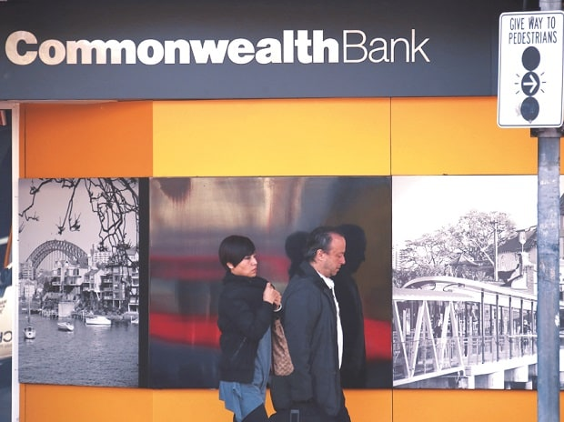 Bags of cash: How money launderers used Commonwealth Bank of Australia