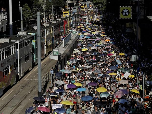 In Hong Kong, crowds rally in favour of jailed pro-democracy activists