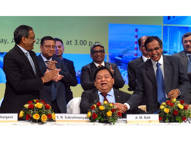 Group Executive Chairman of Larsen & Toubro A M Naik gets a standing ovation from the board of directors and share holders as he attends his last Annual General Meeting of the company in his position, in Mumbai. (Photo: Kamlesh Pednekar)