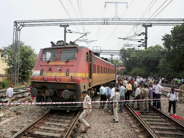New Delhi: The derailed Ranchi-Delhi Rajdhani Express train in New Delhi on Thursday. PTI Photo