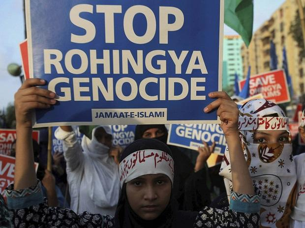 Karachi: Young supporters of Jamaat-e-Islami, a Pakistani religious group, take part in a rally to condemn ongoing violence against the Rohingya Muslim minority in Myanmar. Photo: PTI
