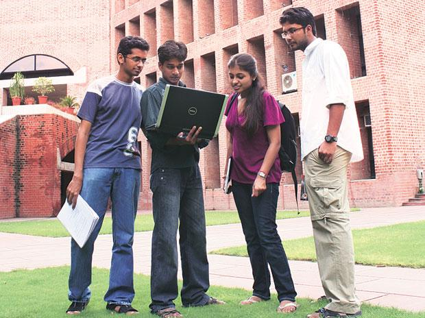 Peak domestic salary rises 10% at IIM-A
