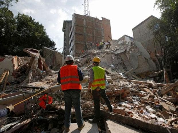 Mexico earthquake topples buildings; nearly 250 dead, including 21 children