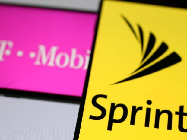 T-Mobile and Sprint. Photo: Reuters
