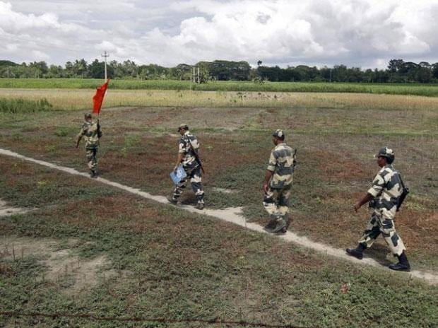 BSF to use chilli, stun grenades to block Rohingyas' entry