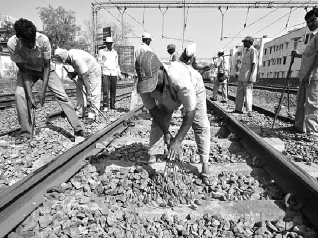 Steel ministry criticises SAIL as shortage hits railway upgrade