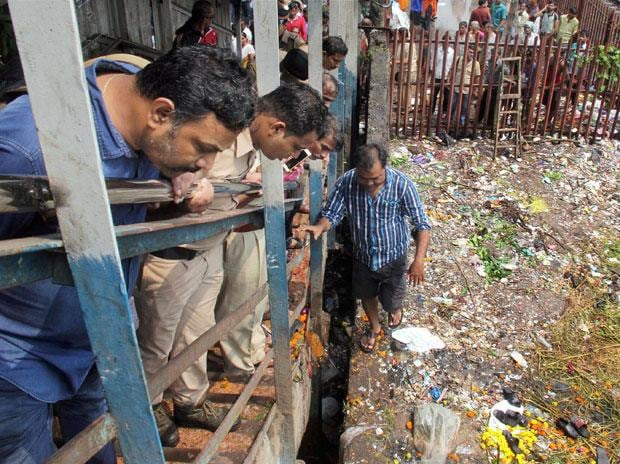 Mumbai stampede at Elphinstone station: Isro to help improve railway safety