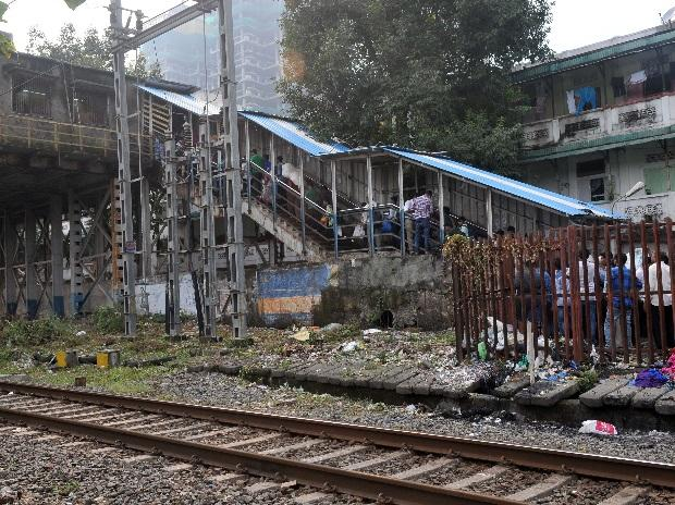 The overbridge that collapsed. (Photo: Kamlesh D Pednekar)