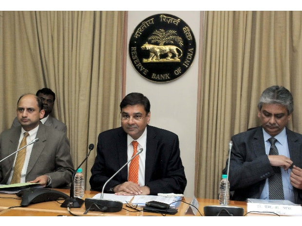 Viral Acharya, Deputy Governors RBI, RBI Governor Urjit Patel and M D, Patra, ED, RBI,  during a press conference announcing the Reserve Bank of India's monetary policy at its headquarters in Mumbai on Wednesday. (Photo: Kamlesh Pednekar)