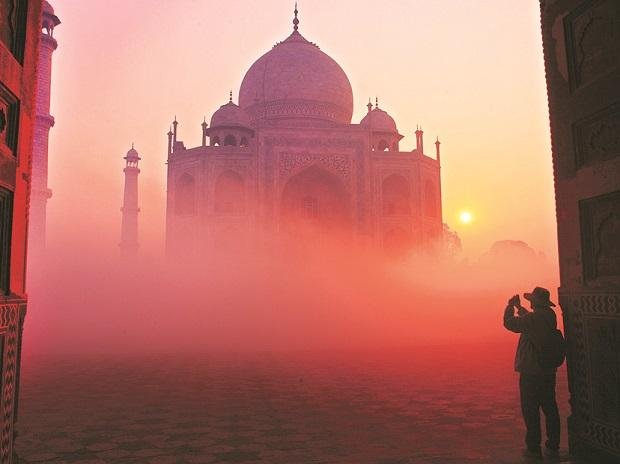 It may surprise the reader to know that after it was finished, Shah Jahan visited the Taj only twice