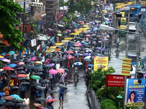 Heavy rain, high wind to batter West Bengal tomorrow: MeT