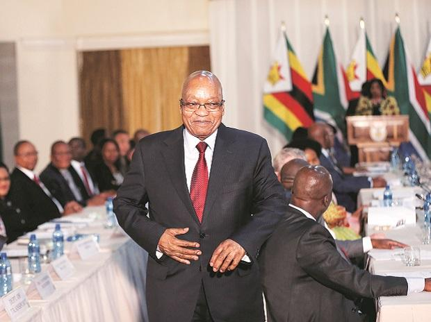 South African President Jacob Zuma gestures as he hosts his Zimbabwean counterpart, President Robert Mugabe, during a South Africa-Zimbabwe Bi-National Commission in Pretoria, South Africa, on October 3, 2017. Photo: Reuters
