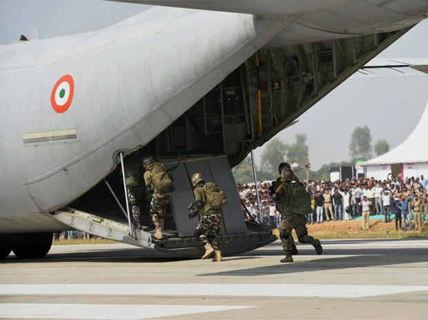 Fighter jets touch down on Lucknow-Agra Expressway