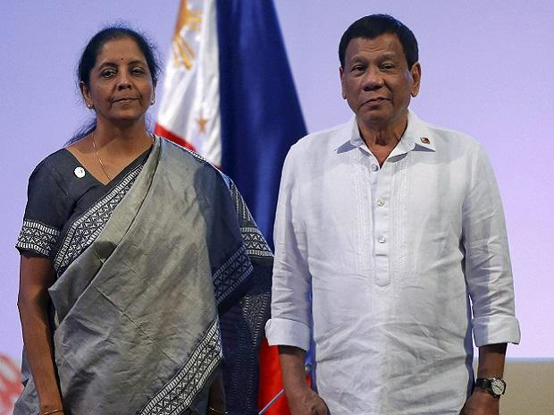 ndian Defense Minister Nirmala Sitharaman, left, poses with Philippine President Rodrigo Duterte during a courtesy call of ASEAN Defense Ministers and its Dialogue partners. (Photo: AP| PTI)