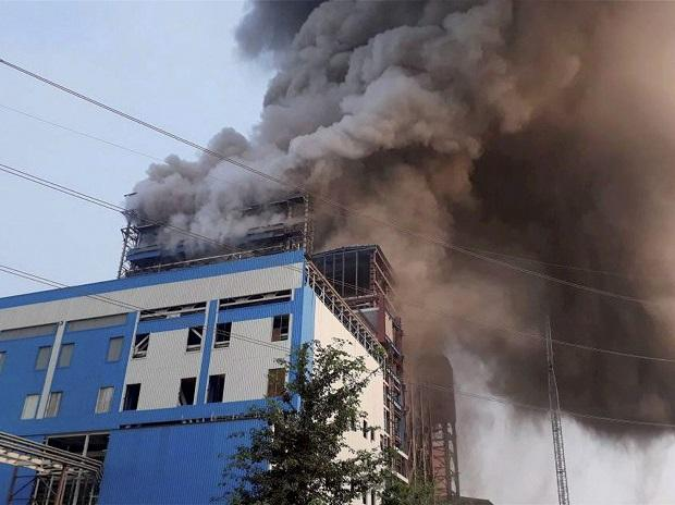 Smoke billowing out of NTPC's Unchahar power plant, in Raebareli district, that saw an explosion. (File Photo: PTI)