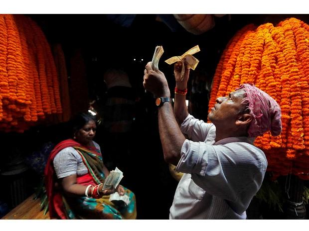 Last year, the month after note ban, flower prices had stayed low even in the wedding season. But there hasn't been a  lasting impact of demonetisation  on prices. Photo: Reuters