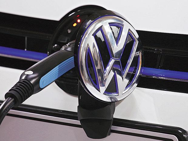 VW Pushes E-Car Venture