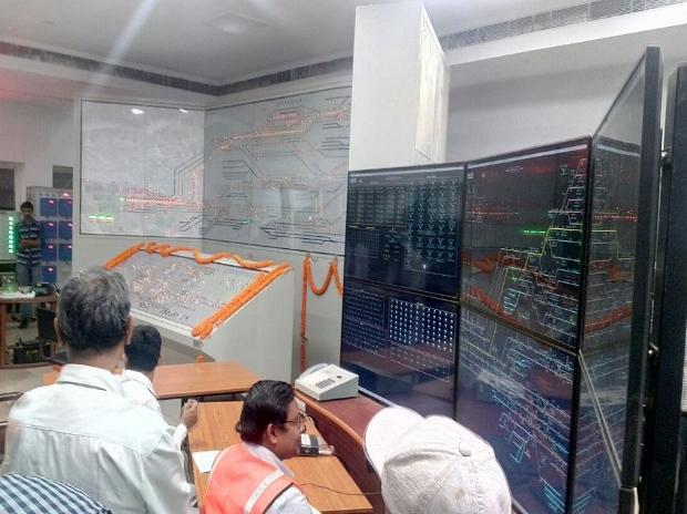 Railways,  Asia's largest electronic interlocking system, Kharagpur, largest electronic interlocking system