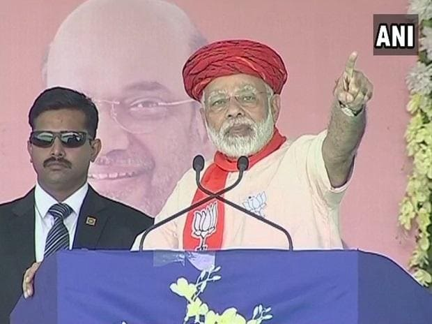 Modi hits out at Congress for criticizing GST