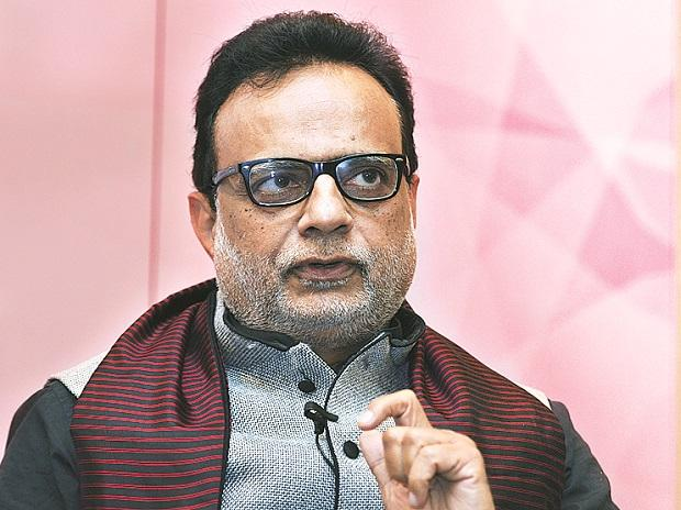 Hasmukh Adhia, Finance secretary