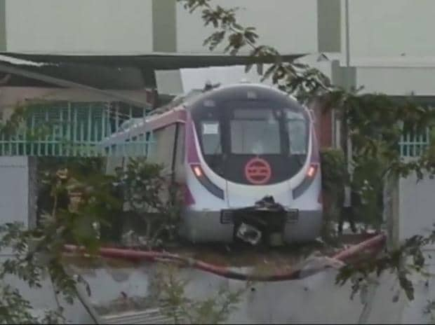 Delhi Metro, metro accident, Delhi Metro trial run, Delhi Metro Magenta line, Metro trial run accident, Kalkaji Metro station, accident at Kalkaji Metro station, Delhi Metro Magenta line accident, DMRC, Delhi metro news, Botanical Garden, Botanical G