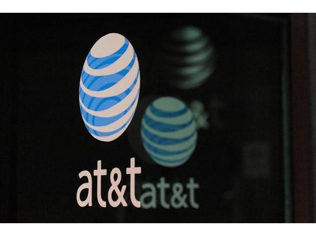 An AT&T logo is seen at a AT&T building in New York City. (Photo: Reuters)