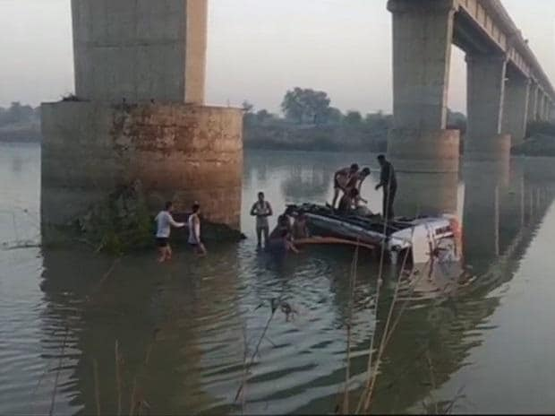 Rajasthan, Rajasthan bus accident, Sawai Madhopur, bus falls into river, bus accident, 32 killed in bus accident, Rajasthan news