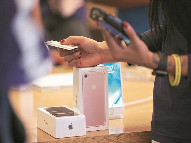 Apple sanctioned in Qualcomm  case over withheld evidence