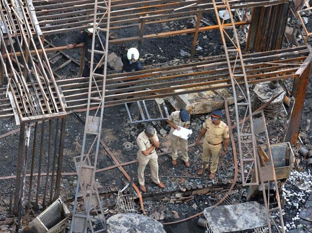 14 dead in Kamala Mills inferno, BMC Mayor evades tough questions