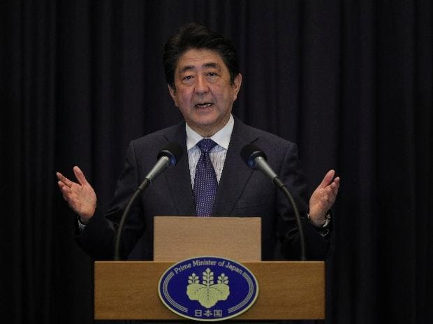 Japanese companies buckle as Abe puts pressure to raise wages