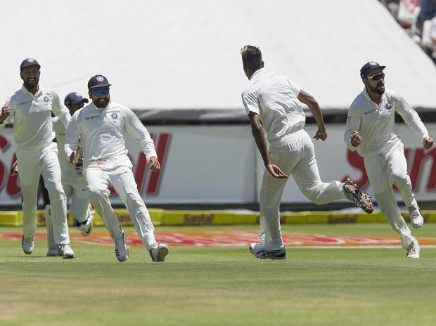 Hardik Pandya celebrates the wicket of South African Captain Faf du Plessis on the first day of first day test between South Africa and India at Newlands Stadium, in Cape Town. Photo: AP/PTI
