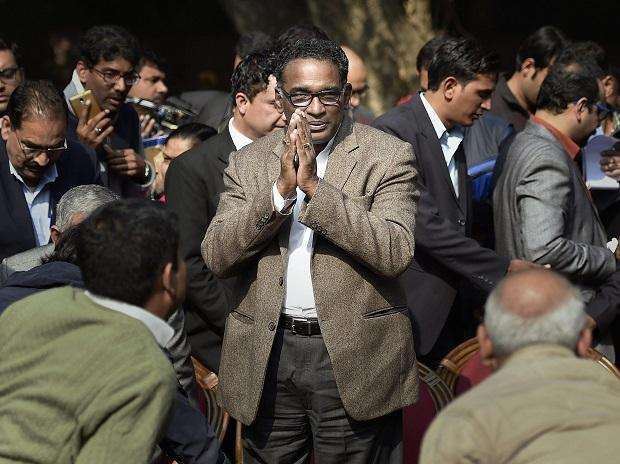 Supreme Court judge Jasti Chelameswar takes on CJI Dipak Misra, again