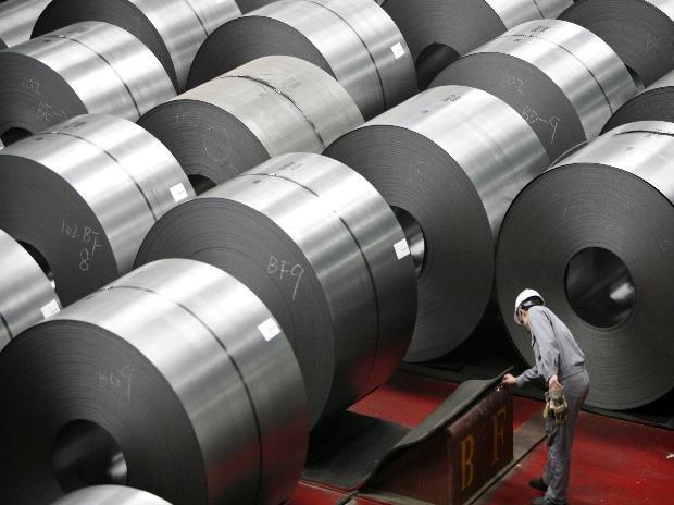 Trump prepares tariffs on steel and aluminum