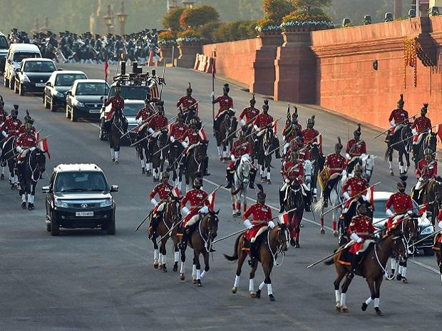 Beating Retreat ceremony, Republic Day,Rashtrapati Bhawan,Border Security Force,Rajpath,Bipin Rawat,Pranab Mukherjee,Sunil Lanba,BS Dhanoa,Nirmala Sitharaman,Central Reserve Police Force ,Narendra Modi, Ram Nath Kovind