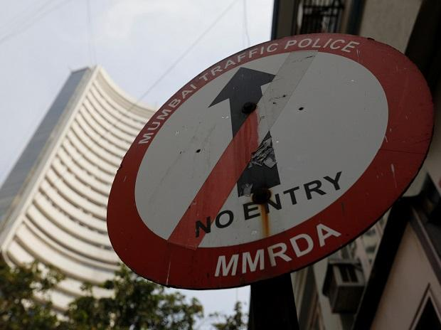 Nifty Closes Below the Level of 10000