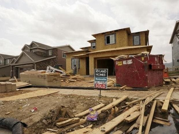 A house under construction has a sold sign out front in the Candelas development in the northwest Denver suburb of Arvada, Colorado. (Photo: Reuters)