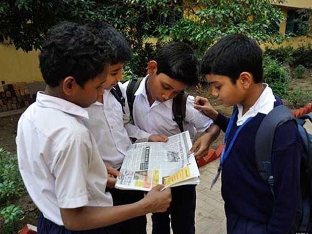 In decade, media exposure fell for Indians who spent more years in school