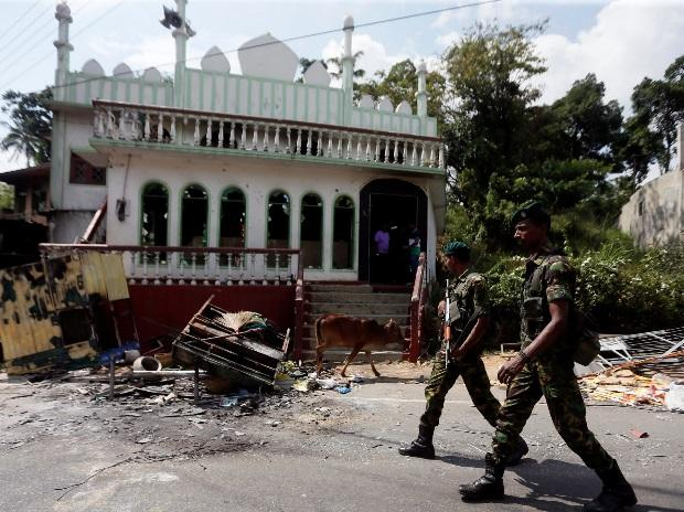 Sirisena forms panel to probe riots