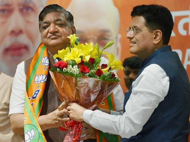 Senior Samajwadi Party leader and Rajya Sabha MP Naresh Agarwal being welcomed by Union Minister Piyush Goyal as he joins BJP