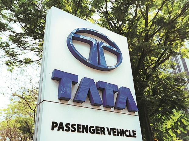 Tata Motors Q4 net profit down nearly 50% to Rs 21.76 billion