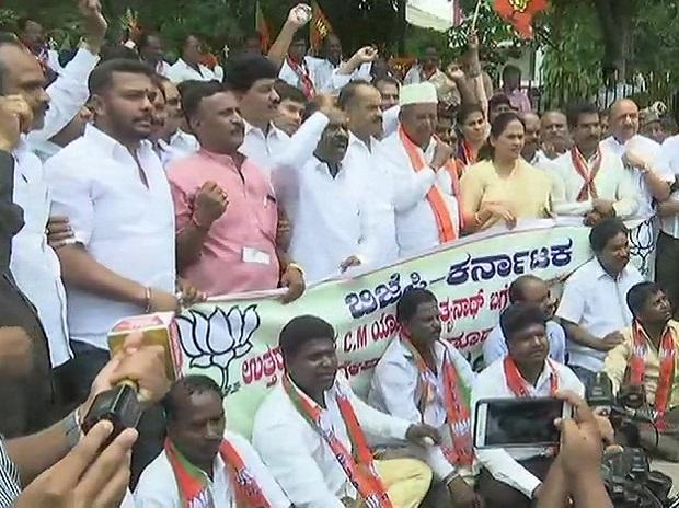 BJP couriers brush, paste to Dinesh Gundu Rao