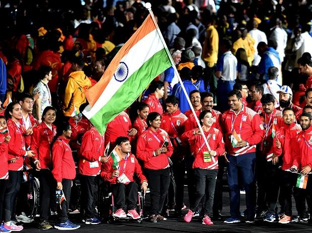 Flagbearer MC Mary Kom leads the Indian contingent during the closing ceremony of Commonwealth Games 2018, Gold Coast, Australia, on Sunday